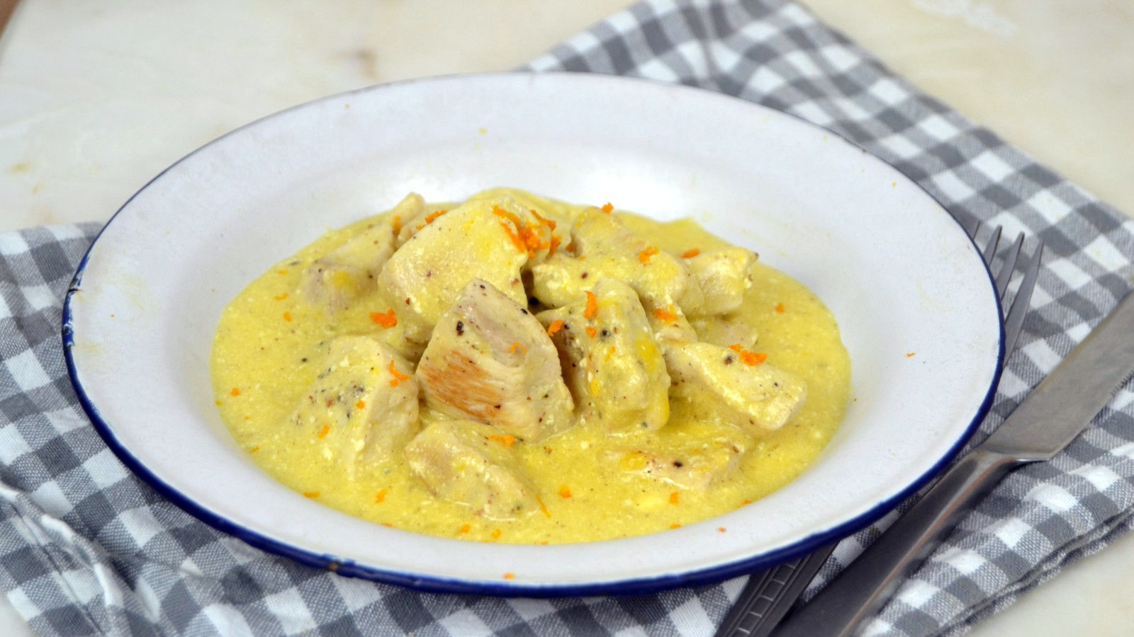Pollo con mostaza yogur y naranja cuuking recetas de cocina - Como se hace pollo en salsa ...