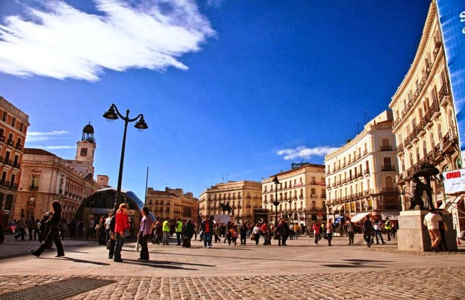 Praça Puerta del Sol em Madri