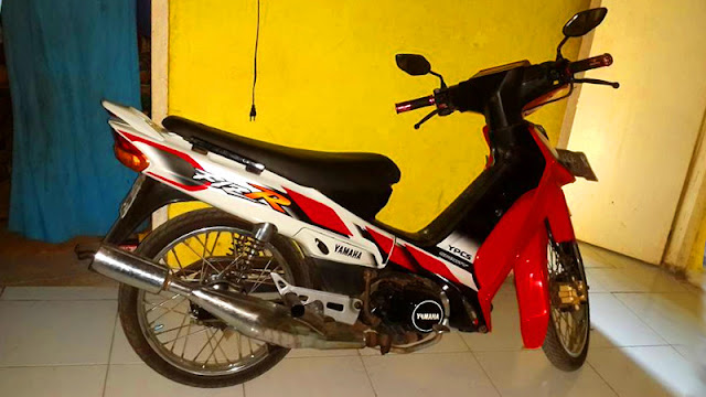 Yamaha F1ZR samping