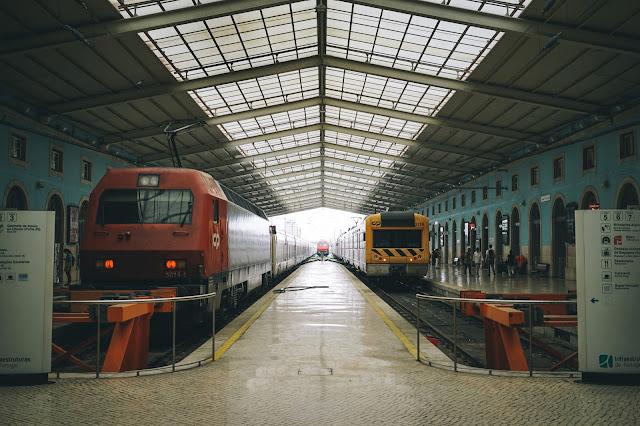 サンタ・アポローニャ駅(Estação Ferroviária de Lisboa-Santa Apolónia)