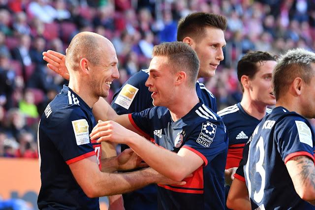 Augsburg 1-4 Bayern: Chào nhà vua… cũ! 4