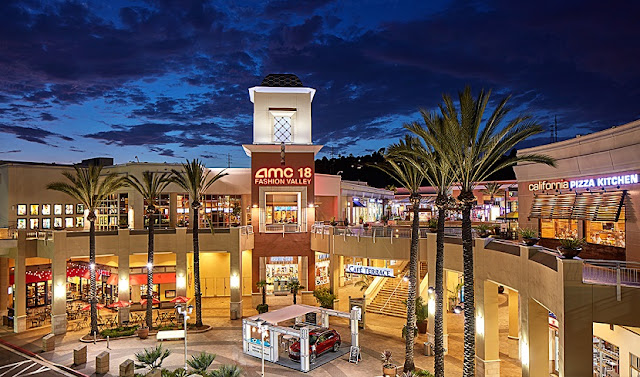 Compra de relógios no Shopping Fashion Valley Mall em San Diego
