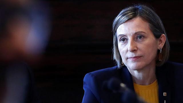La presidenta del Parlamento catalán acata el artículo 155 y da por disuelto el Parlament