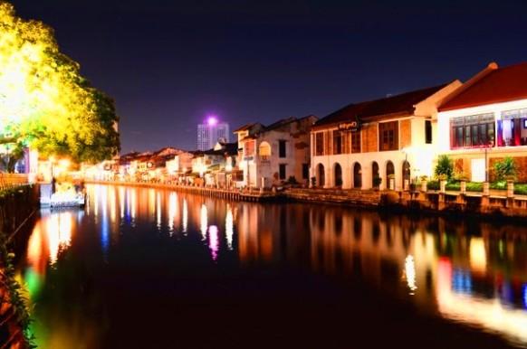 Melaka river cruise berbaloi malam hari