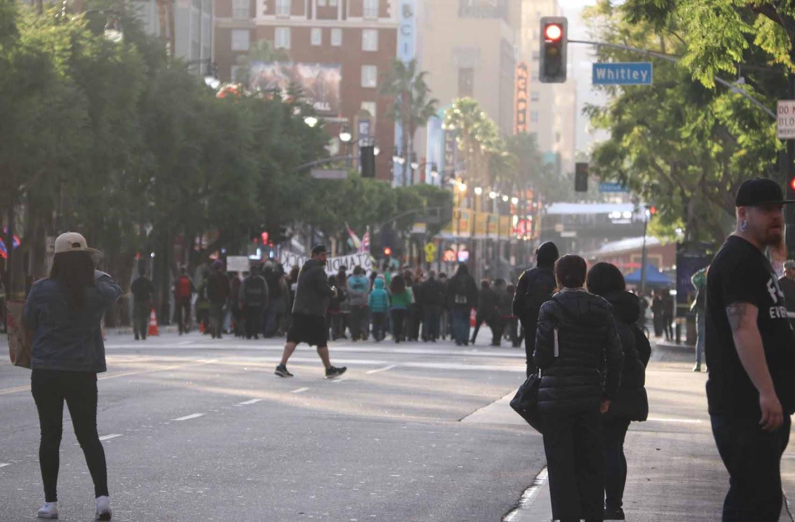 Hollywood Blvd täyttyy mielenosoittajista