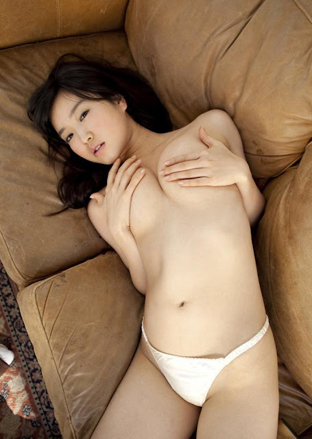 Hot girls JAV Kokone Sasak half nude her sexy body 9