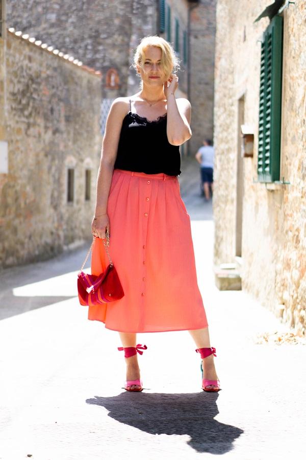 monabyfashion_1_pink_skirt.jpg