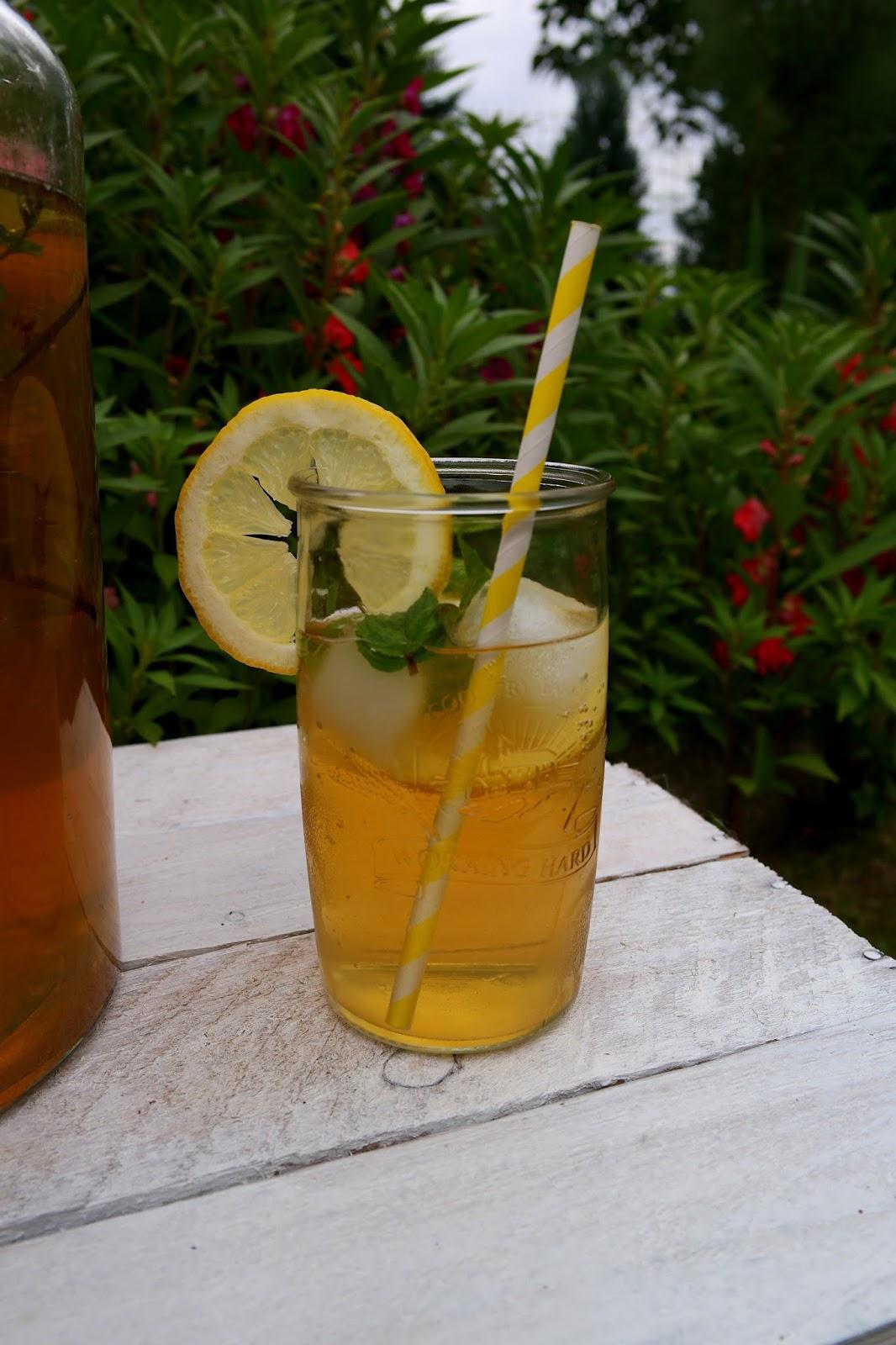 Mrożona zielona herbata gotowa do wypicia