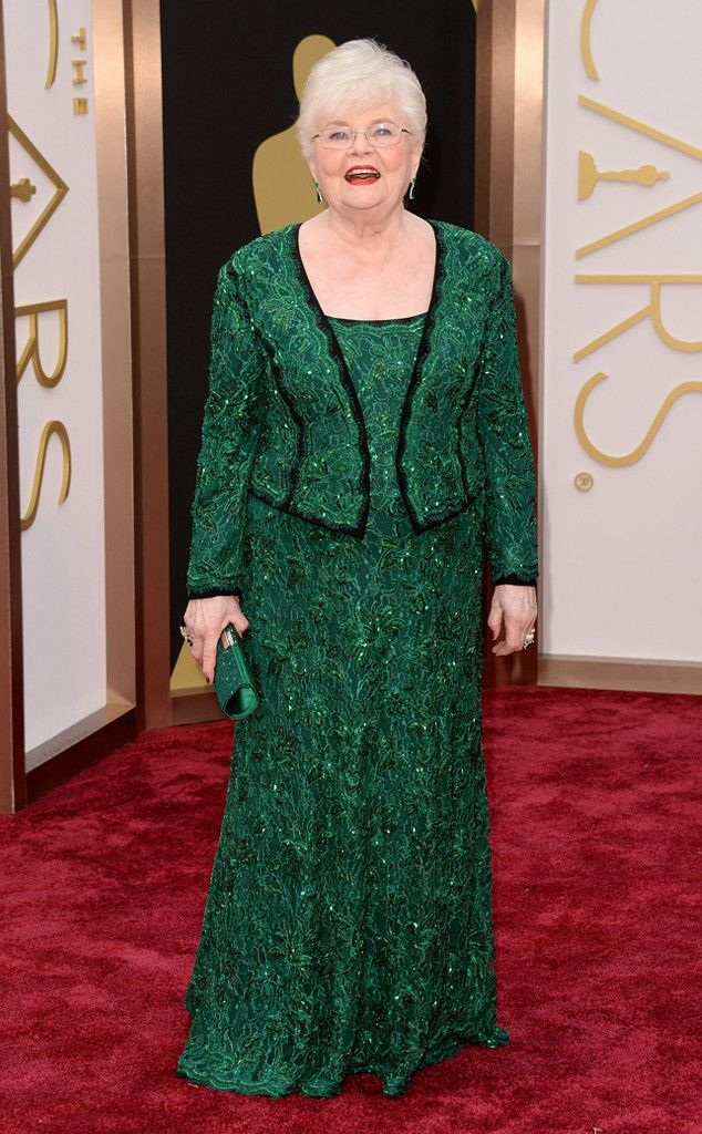 June Squibb in a green Tadashi Shoji dress at the Oscars 2014