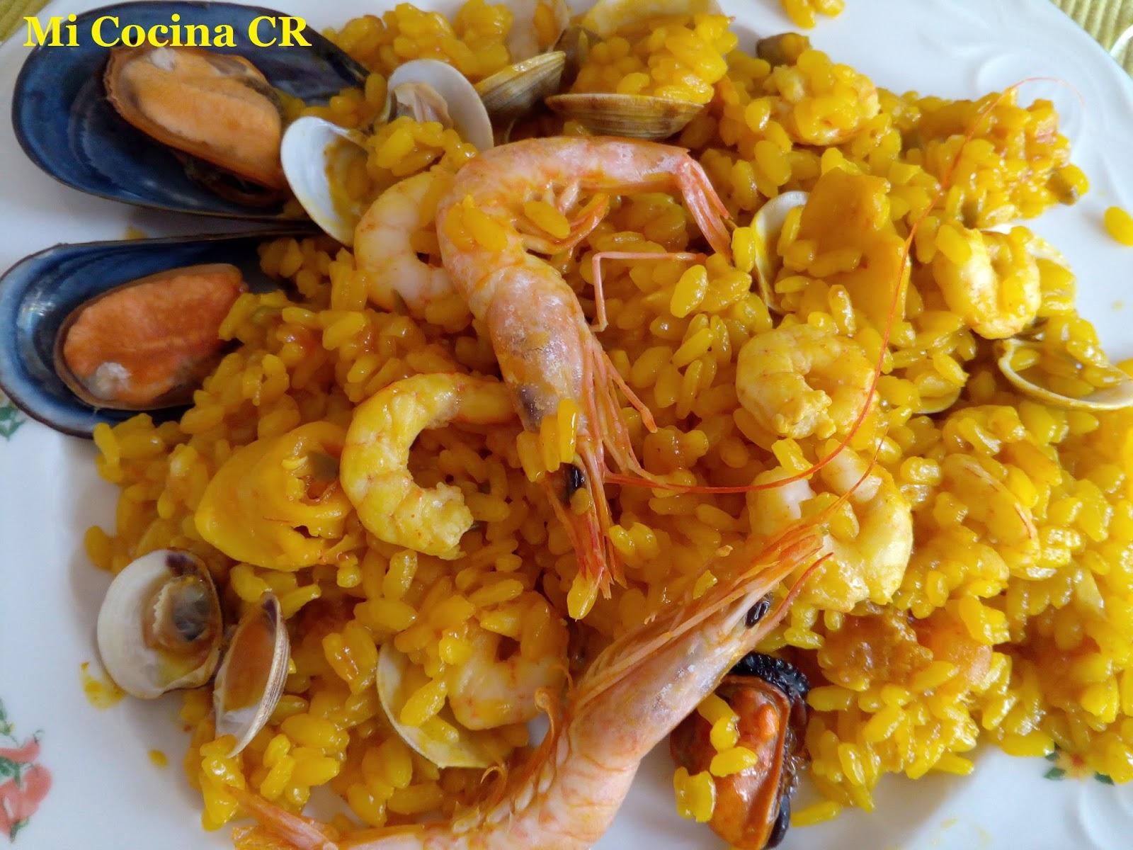 Mi cocina arroz en paella con almejas mejillones for Mi cocina malaga
