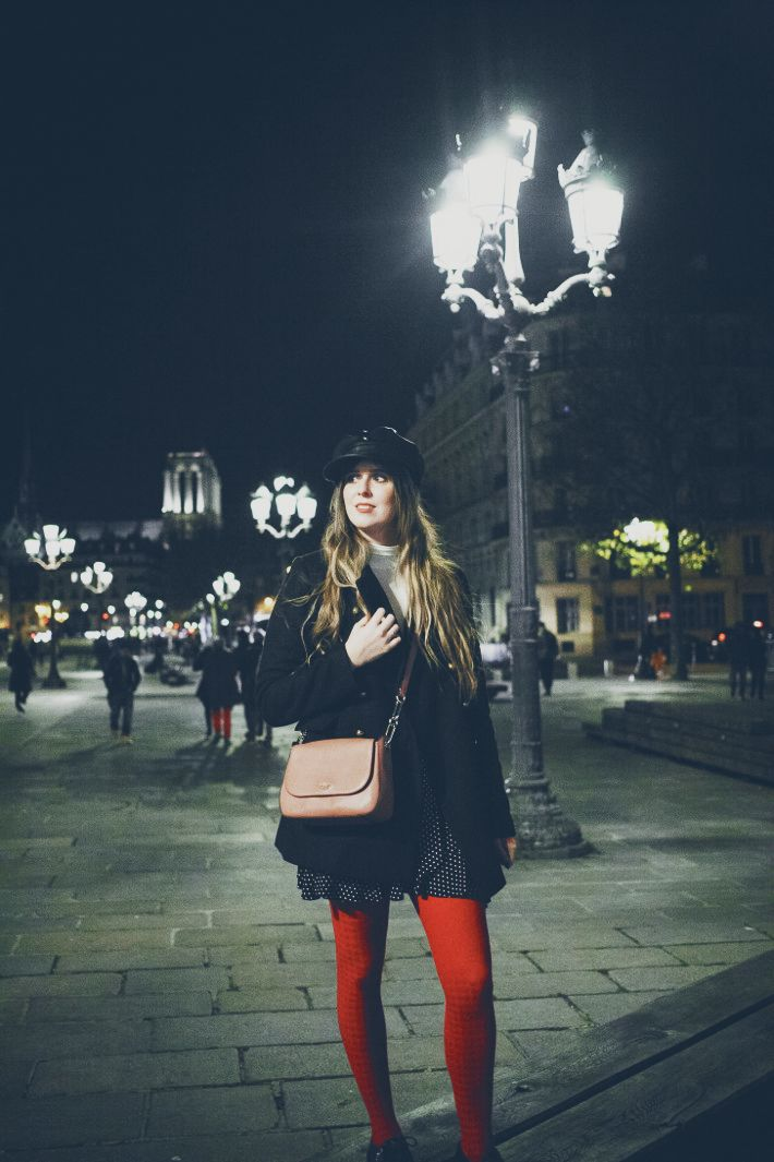 Outfit: red tights and nighttime in Paris