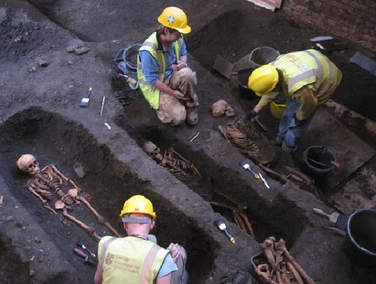 Medieval cemetery found under Cambridge college