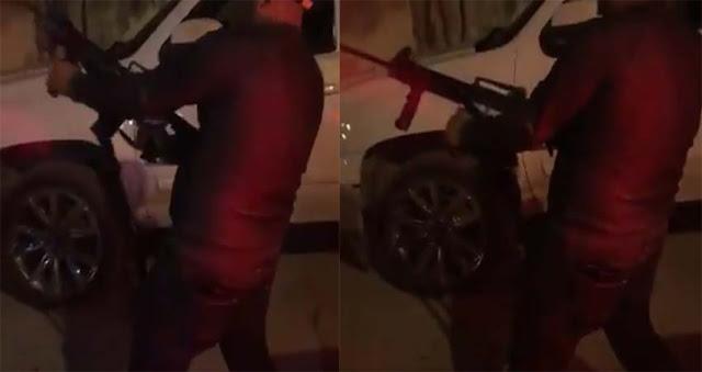 VIDEO..-  Sicario del Cártel del Noreste disparando su arma al aire en Nuevo Laredo
