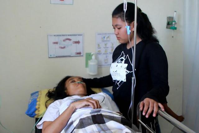 Kisah Seorang Anak Menyelamatkan Ibunya yang Terjebak di Reruntuhan Rumah di Palu