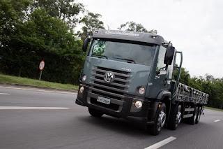 VWCO amplia oferta de caminhões 8×2
