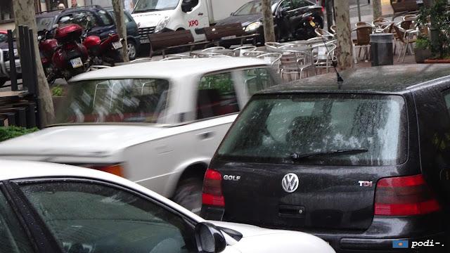 SEAT 124 visto en Santa Coloma el 12 de mayo de 2018