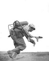 Marine con lanza llamas
