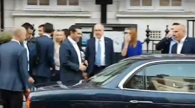 Έλληνες Λονδίνου σε Τσίπρα: «Προδότη πούλησες τη Μακεδονία για 30 αργύρια»