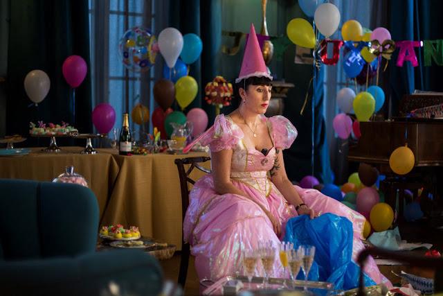 Maria (Rossy de Palma) n'est pas dans le conte de fées qu'elle espère dans Madame