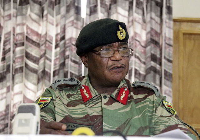 Mugabe of Zimbabwe meets Army Chiefs