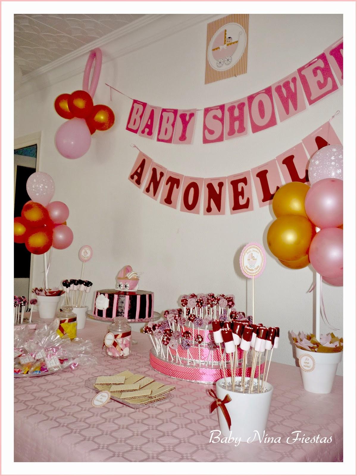 mesa dulce baby shower nia la guirnalda muy sencilla junto al detalle principal de la decoracin un diseo exclusivo para antonella