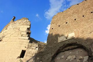 Mura del Mausoleo di Cecilia Metella