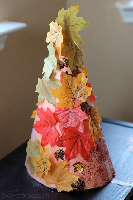 осеннее рукоделие, поделки осенние, поделки в детский сад, украшение интерьера, стиль осенний, для осенних праздникоа, мотивы осенние, плдедки их листьев, поделки своими руками, своими руками, листья из бумаги, поделки на конусе, поделки из листьев, из бумаги, поделки для детей,красивая поделка для осени http://handmade.parafraz.space/