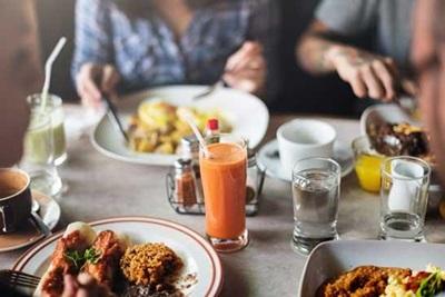 Makanan Terlarang Bagi Penderita Kolesterol dan Asam Urat