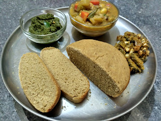 Homemade Whole wheat bread, Mint chutney, Veg Kurma, Bitter gourd poriyal