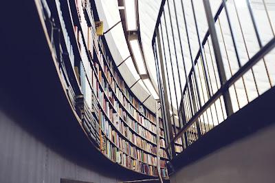 Ferias, festivales literarios, cafés literarios, bibliotecas, escritores