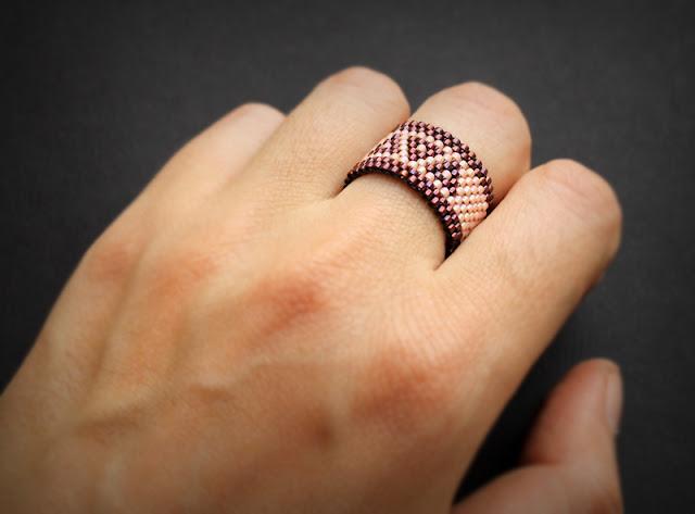 интернет магазин женских колец из необычных материалов бисерные украшения цена фото