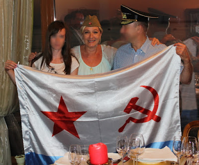 Marine cu tichie sovietica si gura pana la urechi