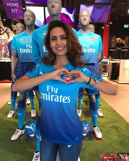 Esha Gupta, Arsenal Fan