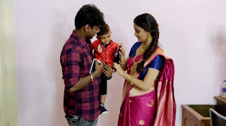 Keerthy Suresh in Saree with Cute and Lovely Smile with a Cute Kid 2