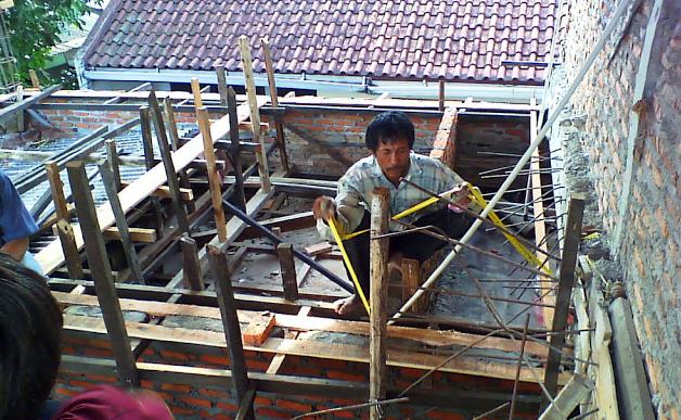 Saat kita lakukan pekerjaan pengecoran susunan beton jadi dibutuhkan data keperluan bahan bangunan yang butuh dihadirkan ke tempat, di sini kita bakal coba menguraikan dengan cara simpel suatu misal mengkalkulasi keperluan cor beton,