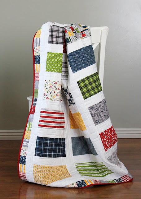 Jolly Bar quilt with Varsity Fabric from Moda