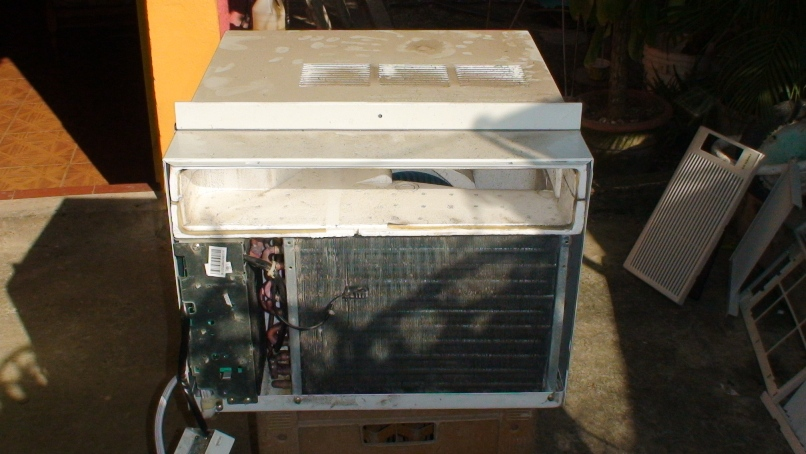 Aire acondicionado split como limpiar un aire for Cuanto gasta un aire acondicionado