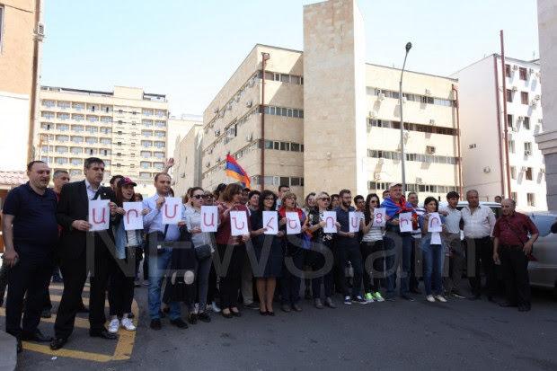 Abogados de Armenia instan a renunciar al presidente de la Corte de Casación