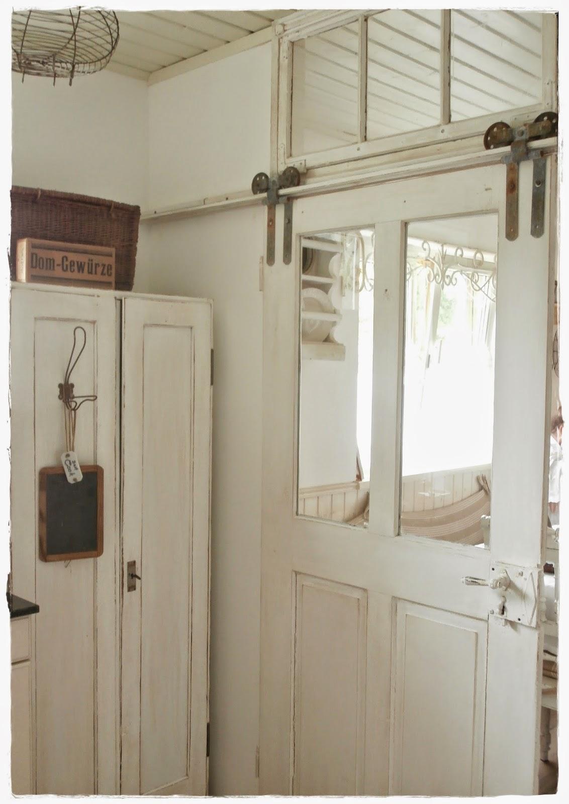 rot grau schwarz streichen. Black Bedroom Furniture Sets. Home Design Ideas