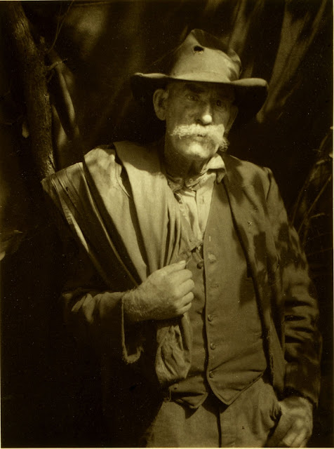 Southern mountaineer, circa 1928, Doris Ulmann, Library of Congress Prints and Photographs Division, Warren and Margot Coville collection, doris ulmann, photography, photography news, history of photography, indian portrait, appalachia, appalachian, old photo, vintage portrait, pictorialism, diana topan