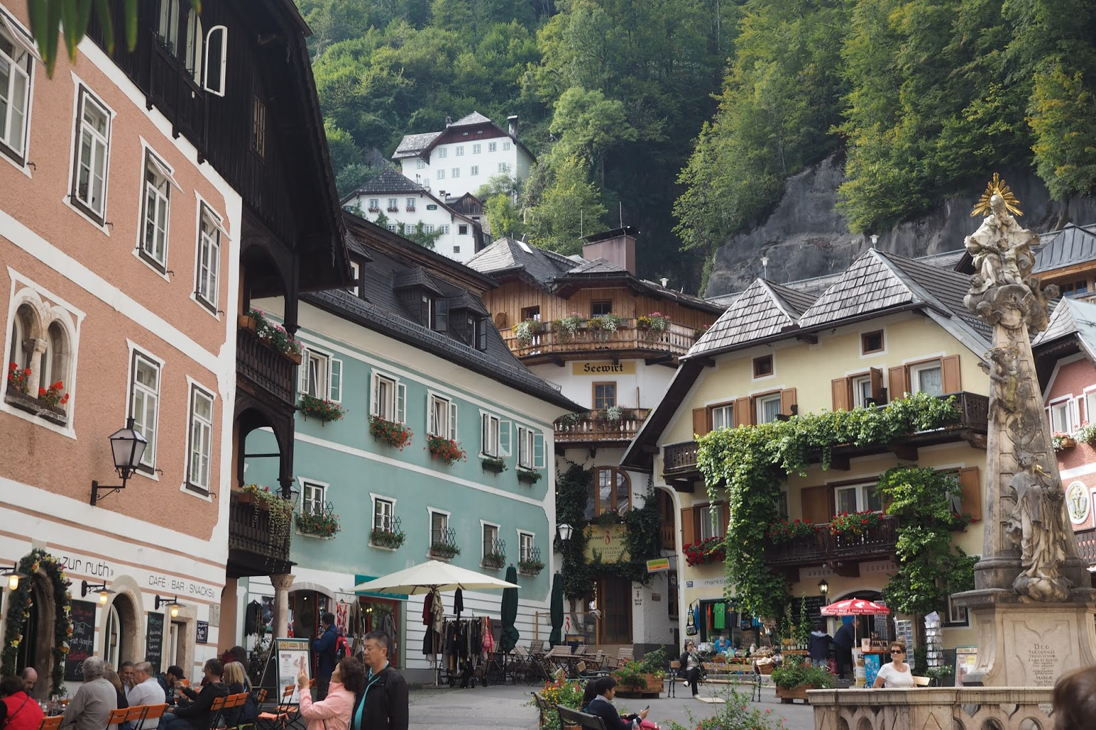Hallstatt square , 24 hours in Hallstatt