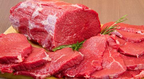 انخفاض أسعار اللحوم الحمراء لأكثر من 35 بالمئة