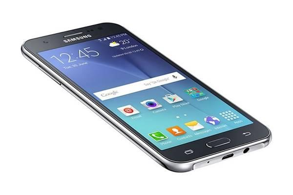 Galaxy J5 desperta interesse do consumidor brasileiro e lidera levantamento do Zoom pelo segundo ano consecutivo