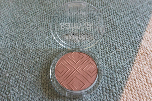 essence satin touch blush review indonesia nellanelwan