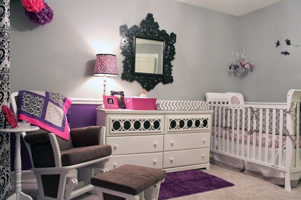 Dormitorio bebé en morado gris