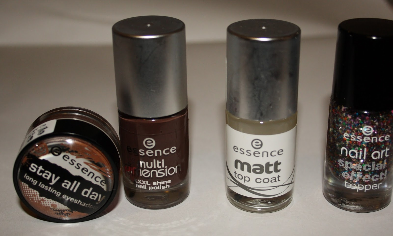 ESSENCE  Haul&Swatch