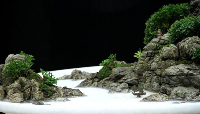 ngoài bể thủy sinh, đá da voi còn được dùng trong hòn non bộ