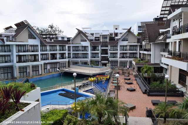 BORACAY ISLAND: CROWN REGENCY RESORT AND CONVENTION CENTER