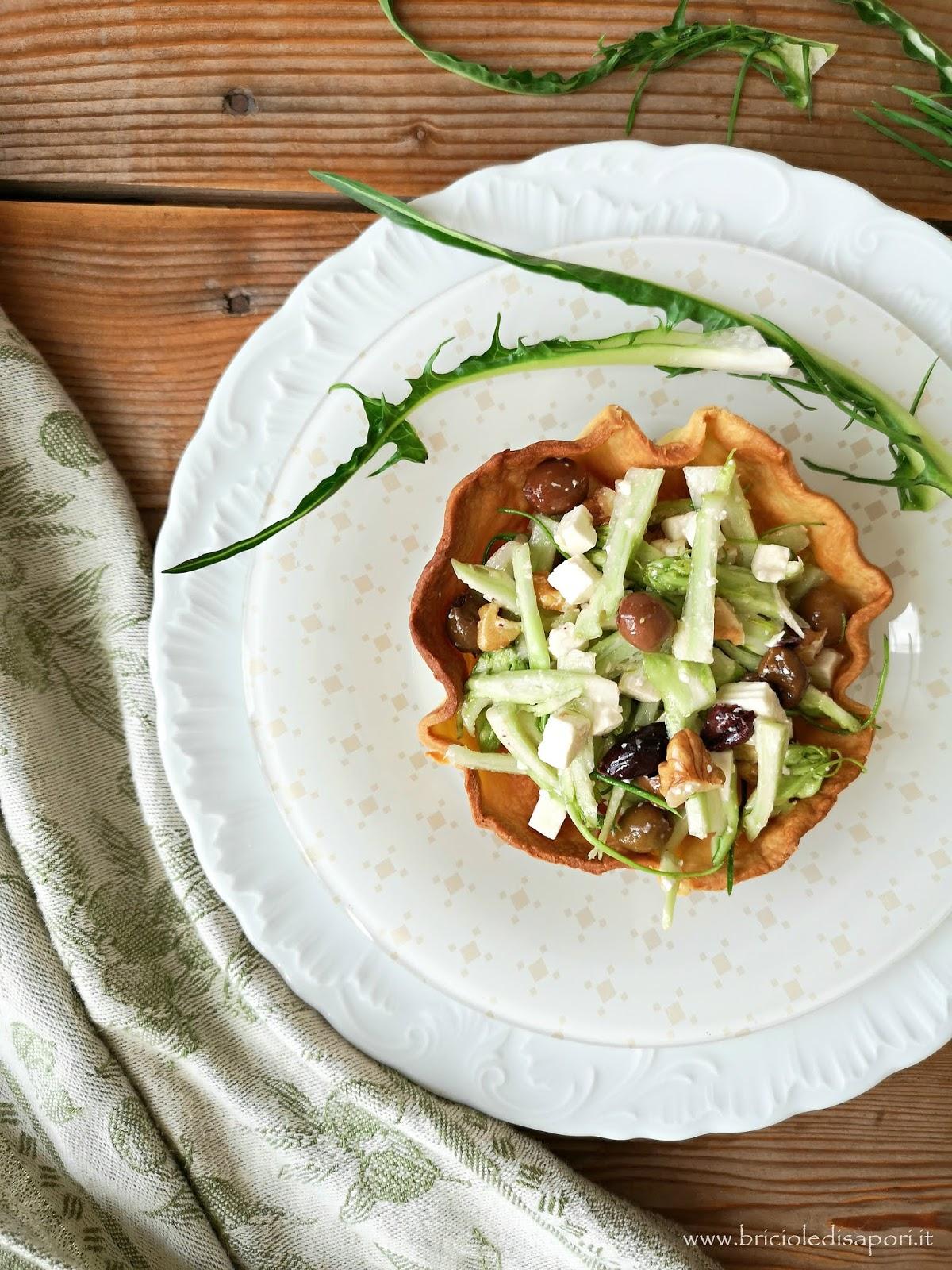 insalata di puntarelle quartirolo olive e noci