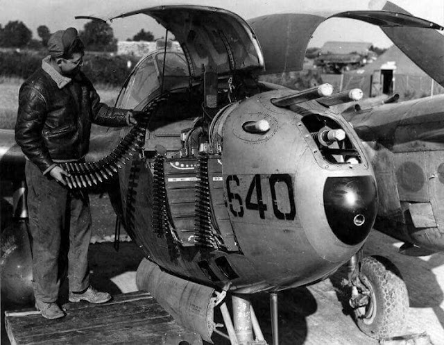 P-38 worldwartwo.filminspector.com loading ammunition